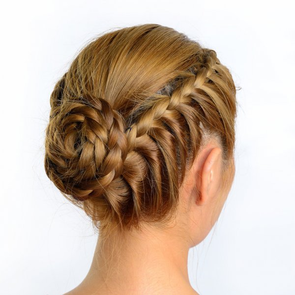 Bun hairstyle 2022